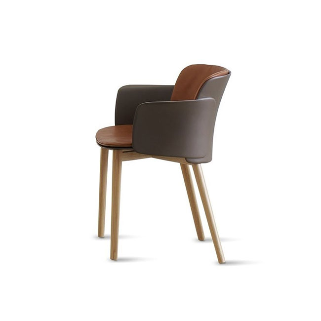 [Desalto/데살토] PAPER - Polypropylene and leather chair with armrests