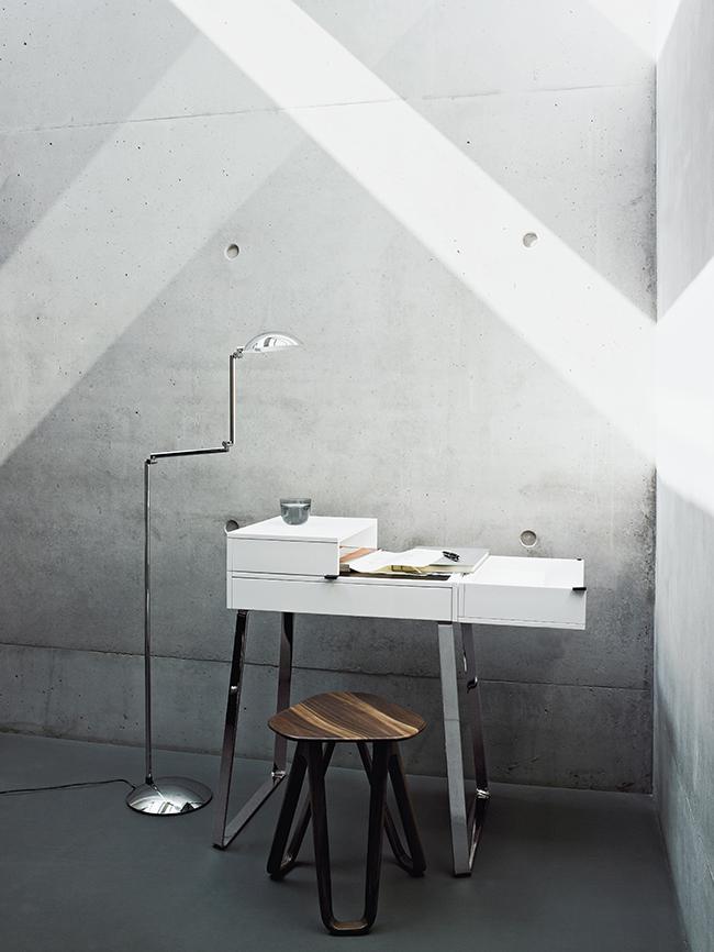 ClassiCon-orbis-floor-lamp-zelos-home-desk-saturn-stool-photo-seelen_161618.jpg